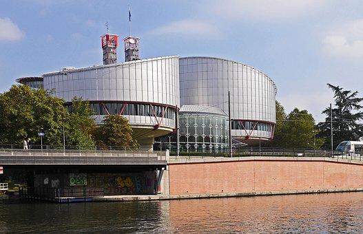 N.A. et A.I. c. Suisse: deux jugements différents de la Cour européenne des droits de l'homme dans des cassemblables